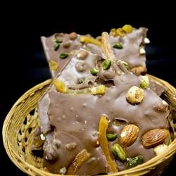 chocolat lait amandes et pistaches